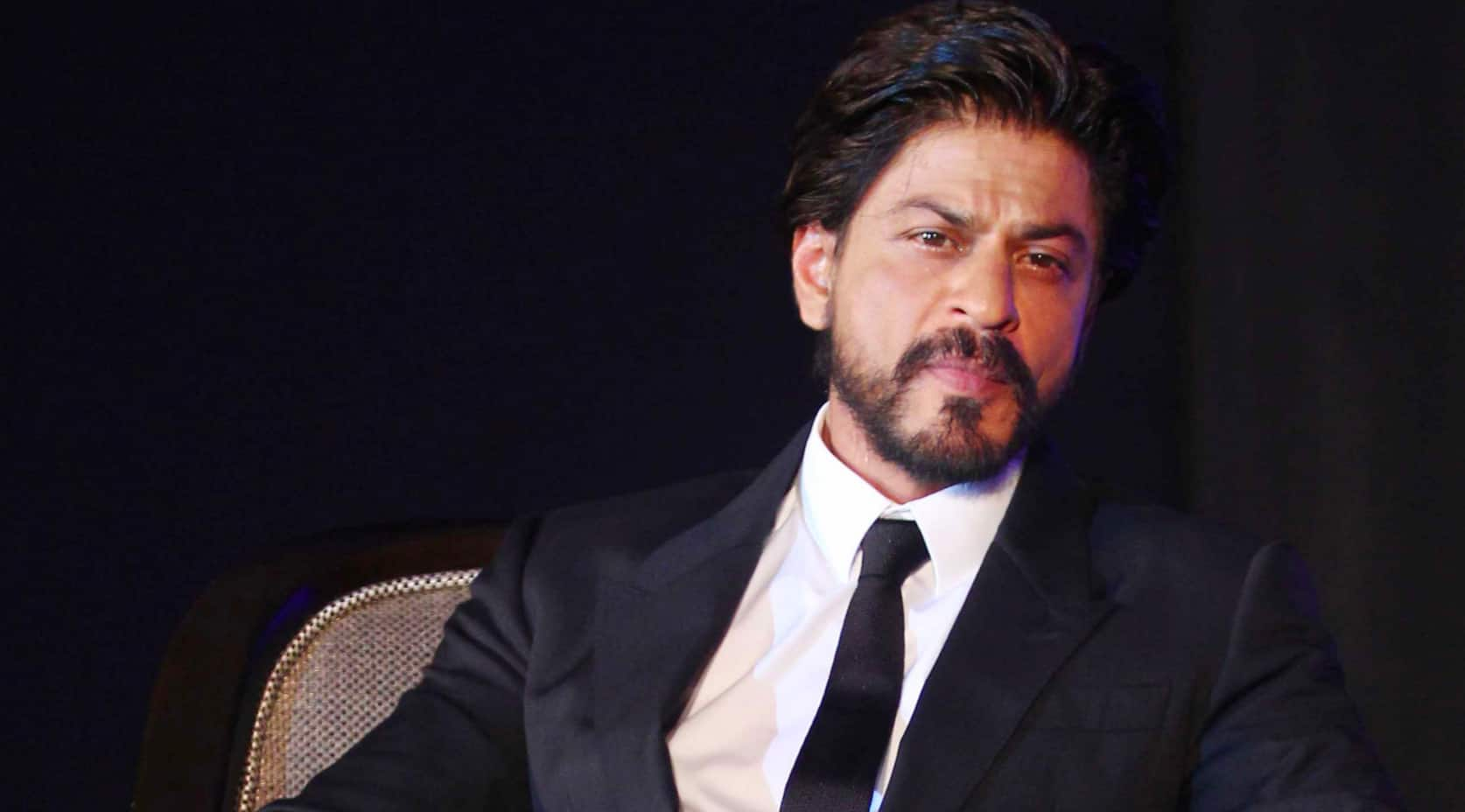 Someone asked Shah Rukh Khan how many times he poops. Here's what he answered