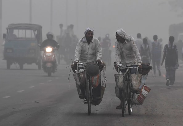 delhi breathless air quality dips situation very poor ncr areas SAFAR CPCB