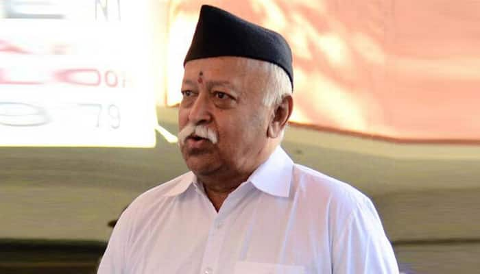 entire community cannot be held responsible for the mistakes of a few says RSS  chief Mohan Bhagwat