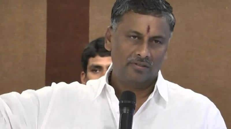 BJP leader NVSS Prabhakar serious comments on TRS lns