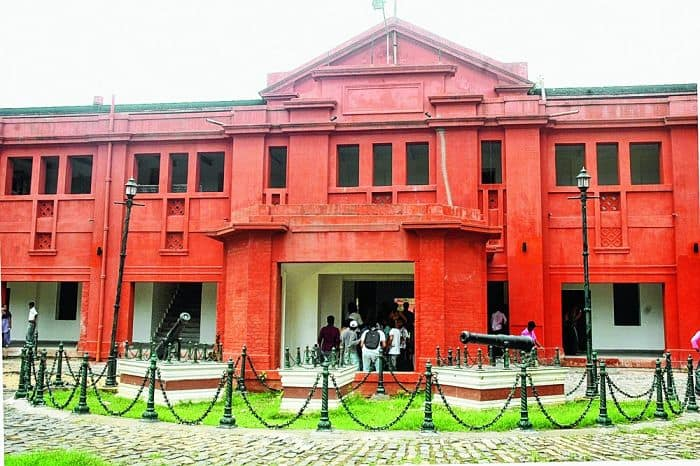 Ravenshaw University smarting from inadequacies, complains student