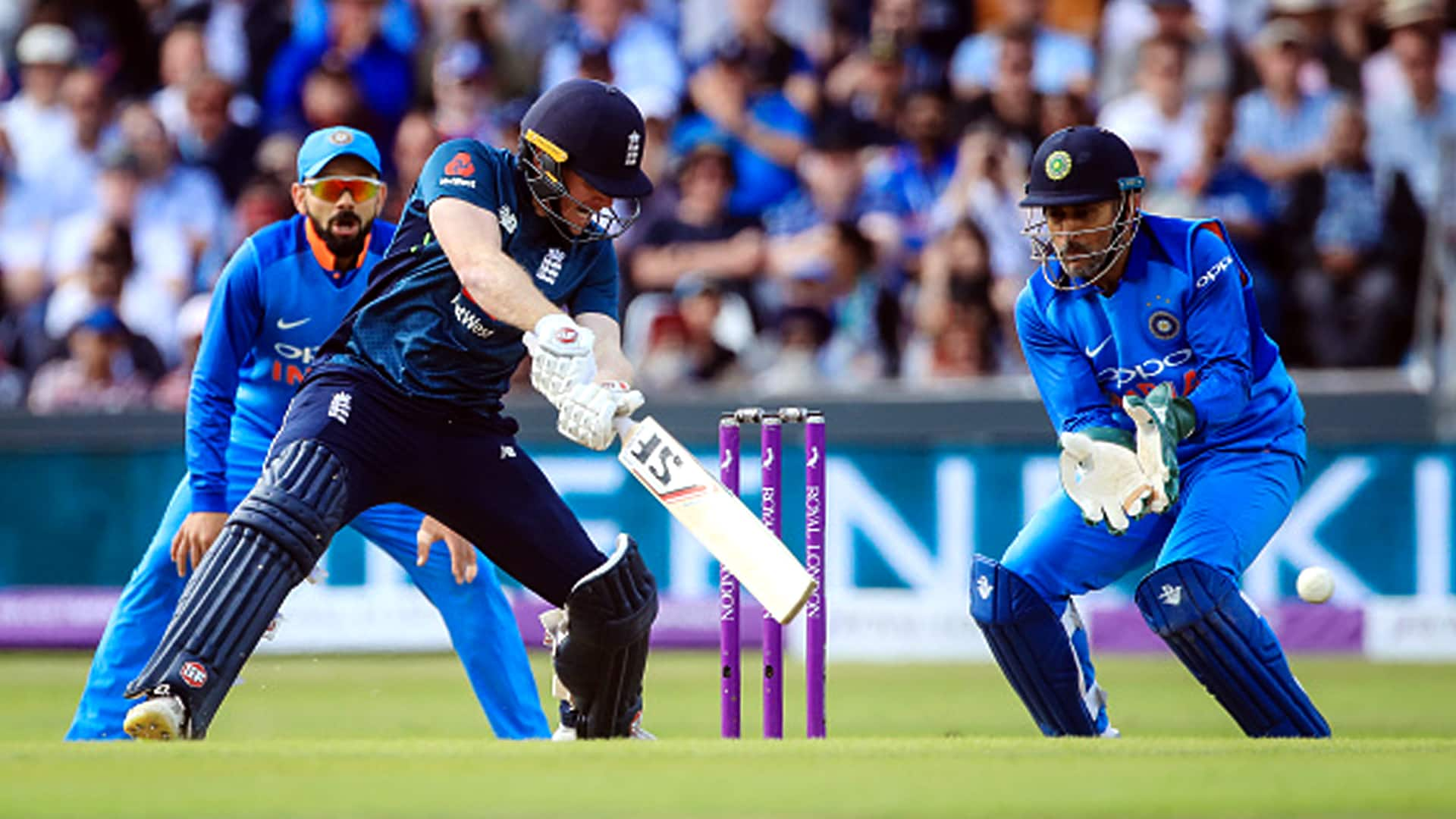 England beat India by eight wickets to clinch serie
