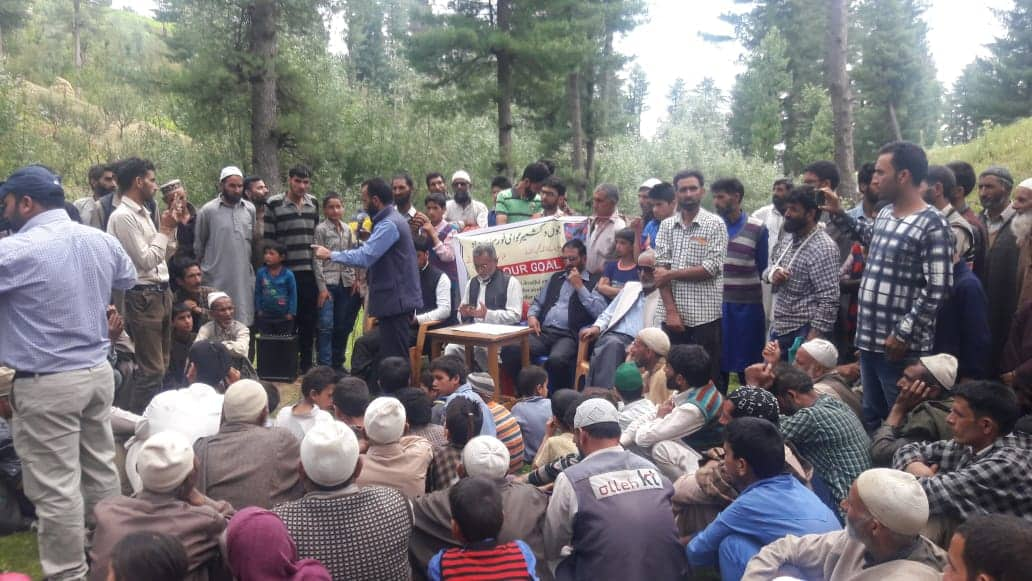 Kashmiris stage historic march to Charar-e-Sharif, demand azaadi from Pak-funded terror