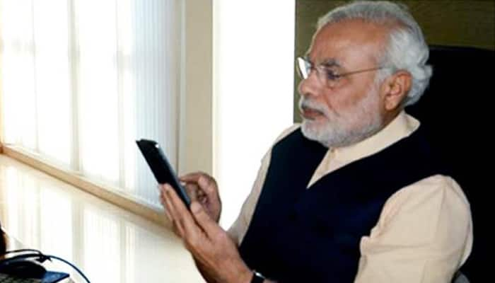 PM talked to the people on Twitter, the girl advised to smile