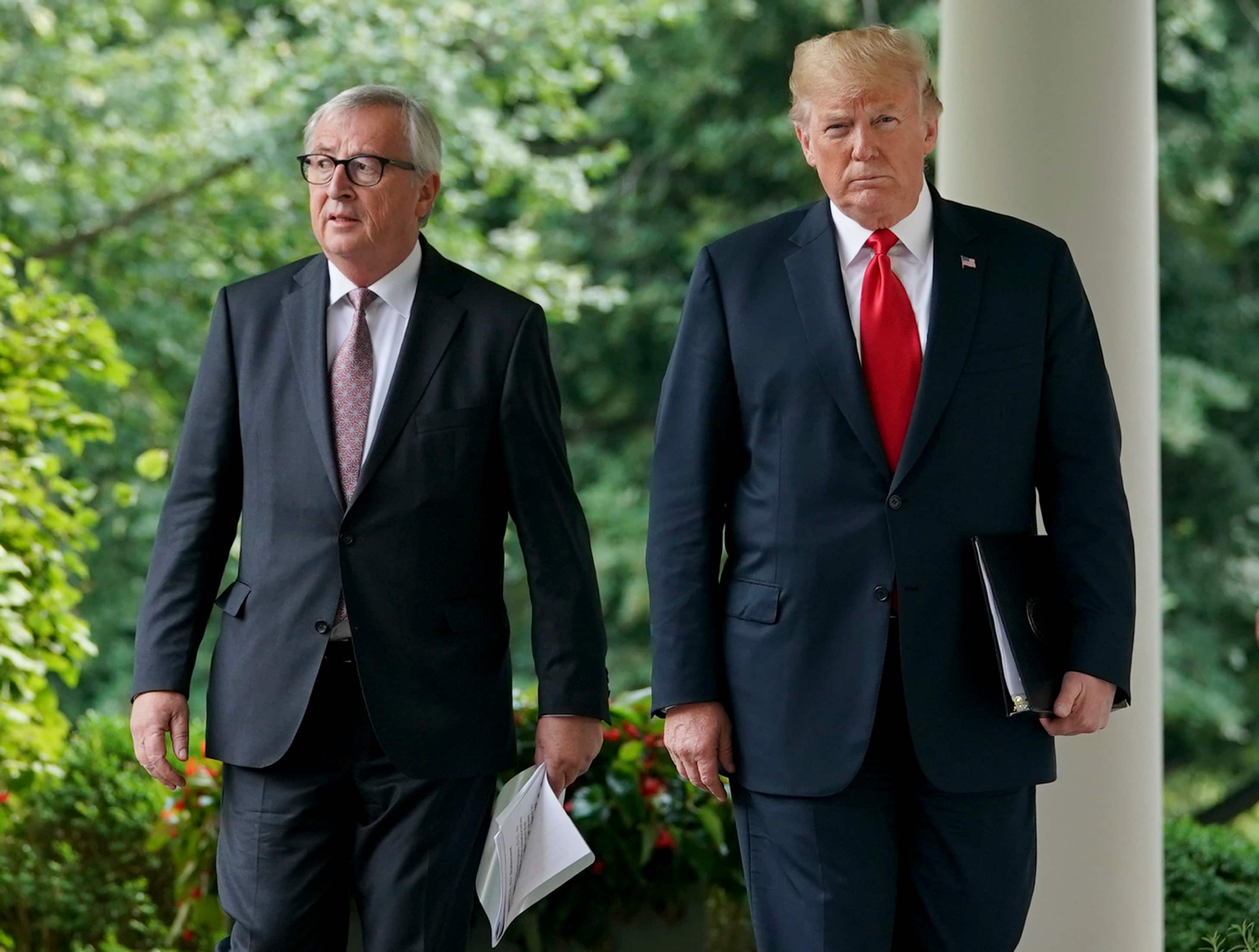 Trump, European Union's Juncker agree to pull back from trade war to ease tension