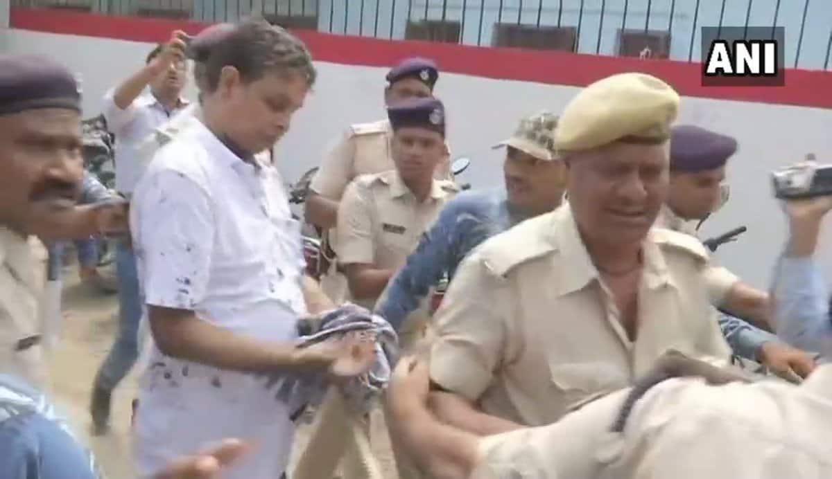woman threw ink on MuzaffarpurShelterHome accused Brajesh Thakur