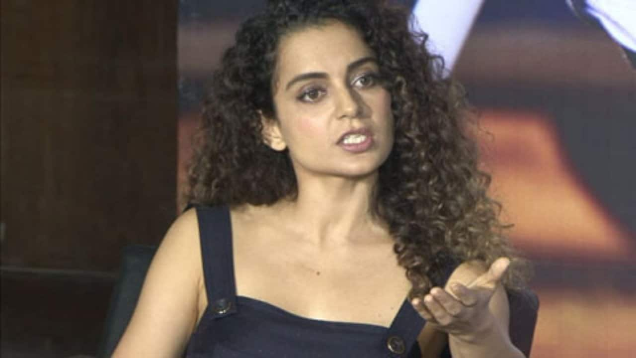 kangna ranaut again give controversial statement against bollywood starts
