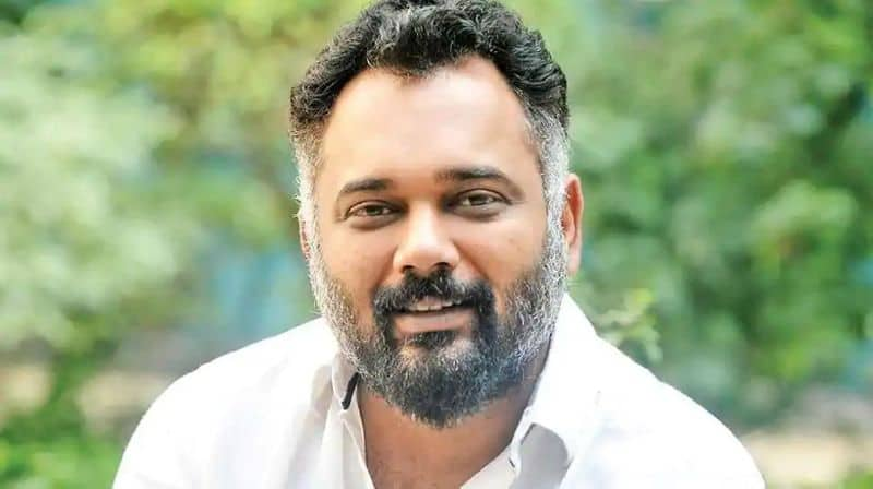 Bollywood  director Luv Ranjan issues apology