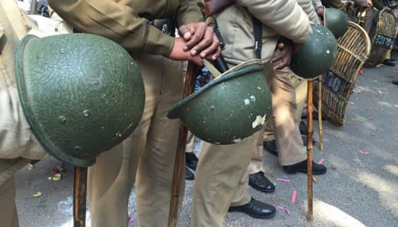 Pakistan spy agency ISI agents arrested media reports fake Nagpur police