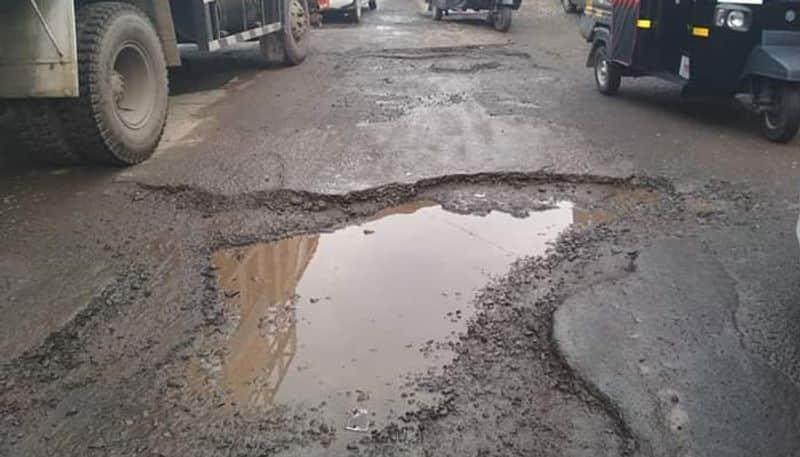 Hubballi-Solapur National Highway Did not Repair Near Konnur in Gadag District