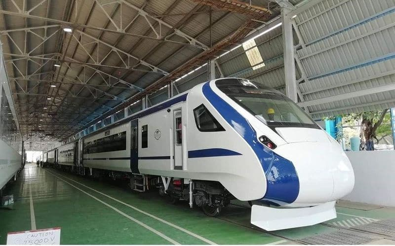 Trial run  engine-less Train 18 on Bareilly-Moradabad section to start