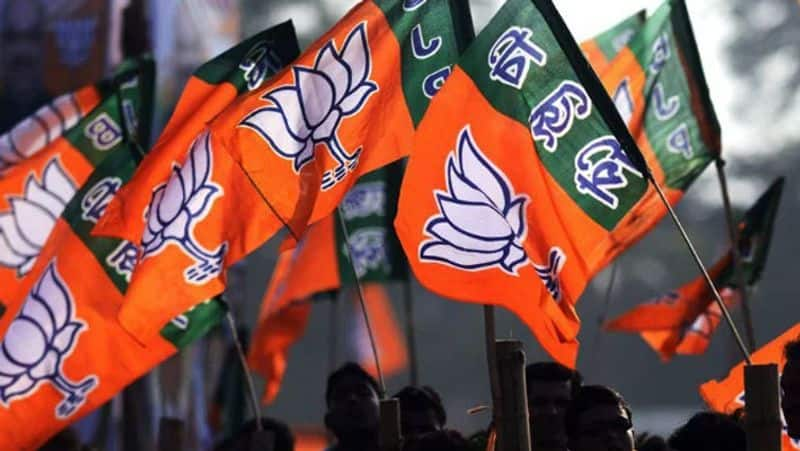 bjp aspirants protest against state leaders at bjp office in hyderabad