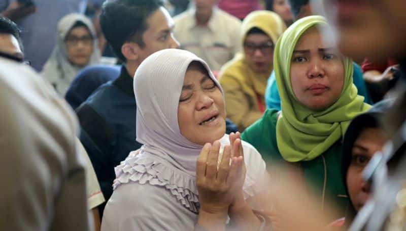 Indonesia Lion Air flight  crashes into sea  take-off casualties search rescue Jakarta