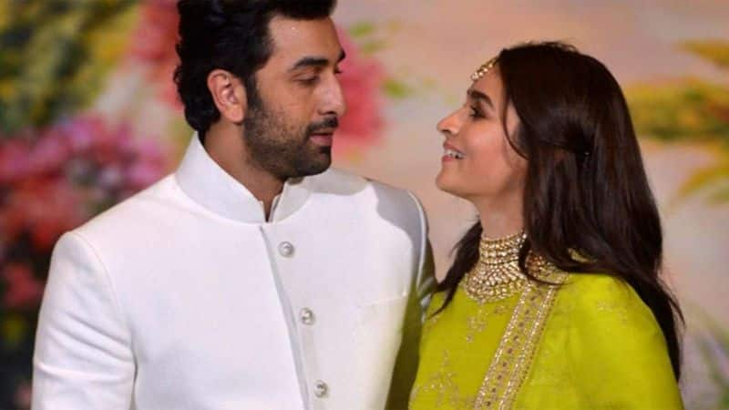 ranbir kapoor and alia bhatt got engaged this month