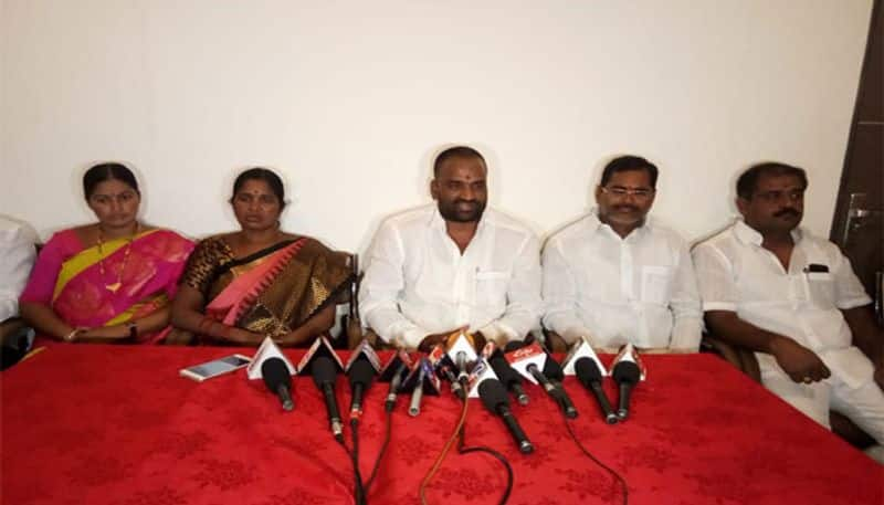 sangareddy bjp president joins trs party