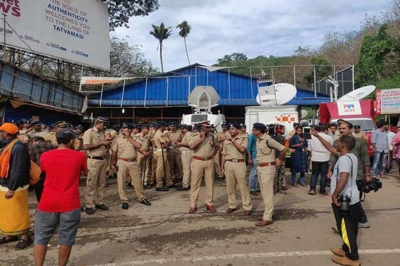 Sabarimala becomes a police fortress as temple opens for special puja