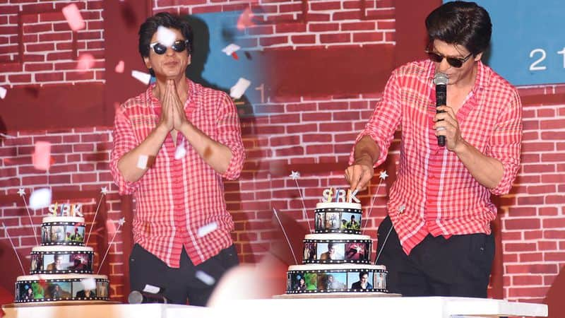 shahrukh khan birthday party and diwali party celebration on his place