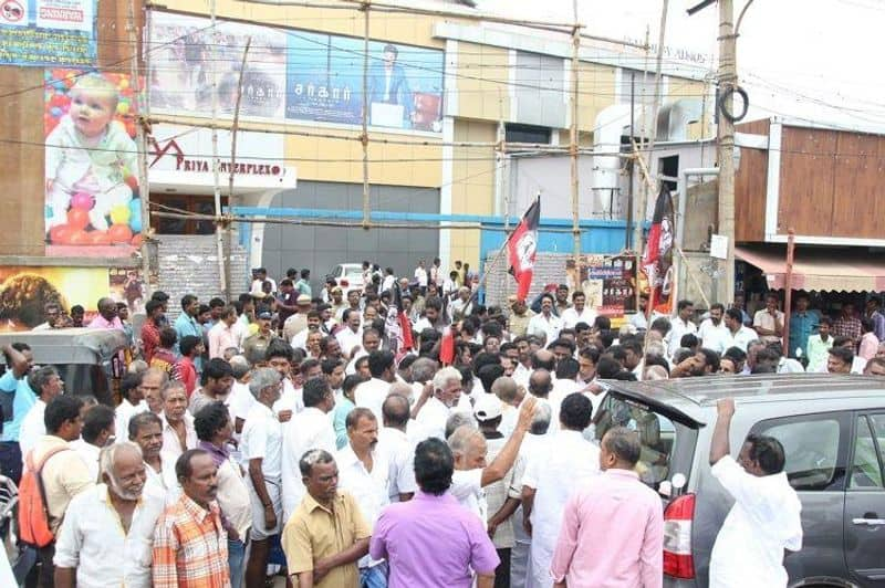 Vijay Fans arrested at chennai