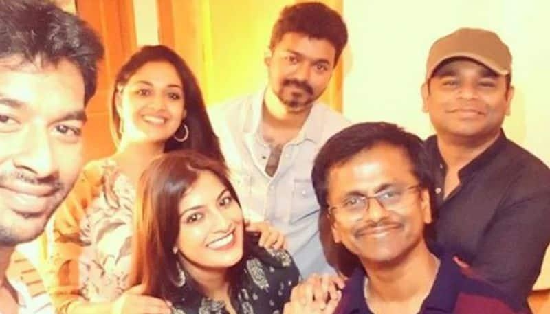 Team Sarkar celebrates film's success with a very political cake