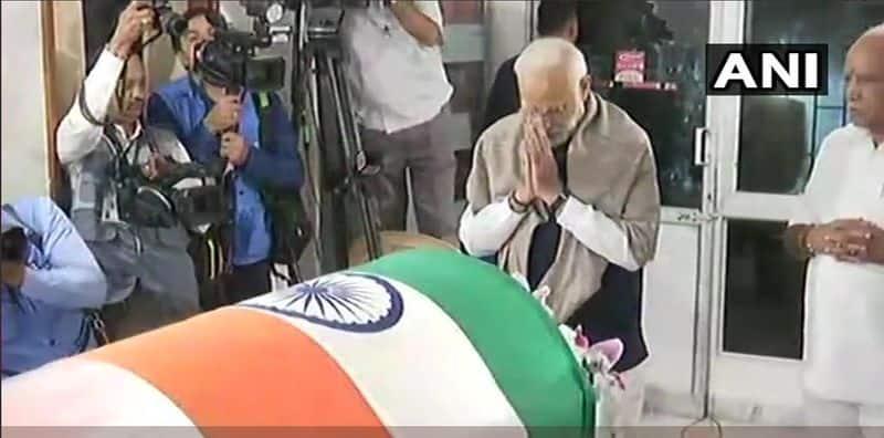 Prime Minister Narendra Modi pay tribute to the late Union Minister AnanthKumar in Bengaluru