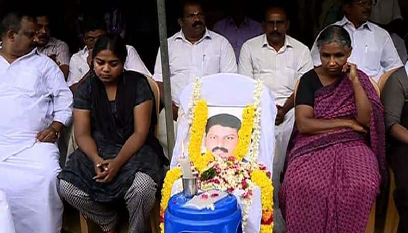Sanal Kumar death Family begins indefinite strike against Kerala govt