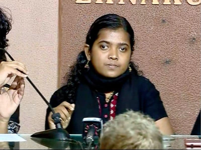 Three women hold press meet protection visit Sabarimala devotees protest