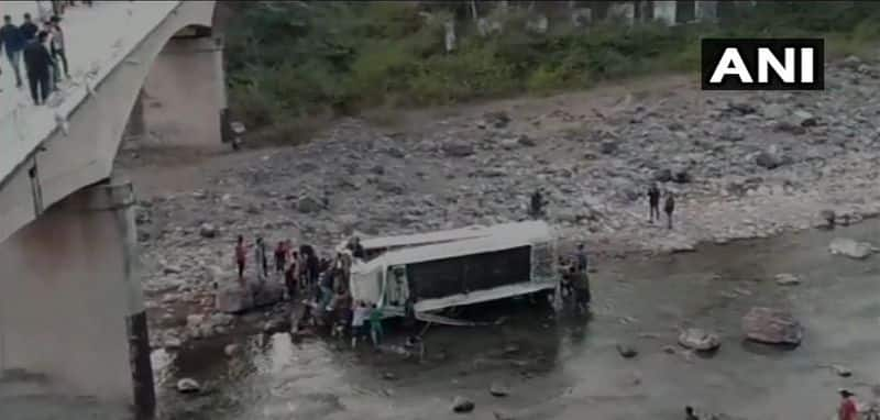 Himachal Pradesh 9 dead and 51 injured after a bus fell into river in Nahan Sirmaur