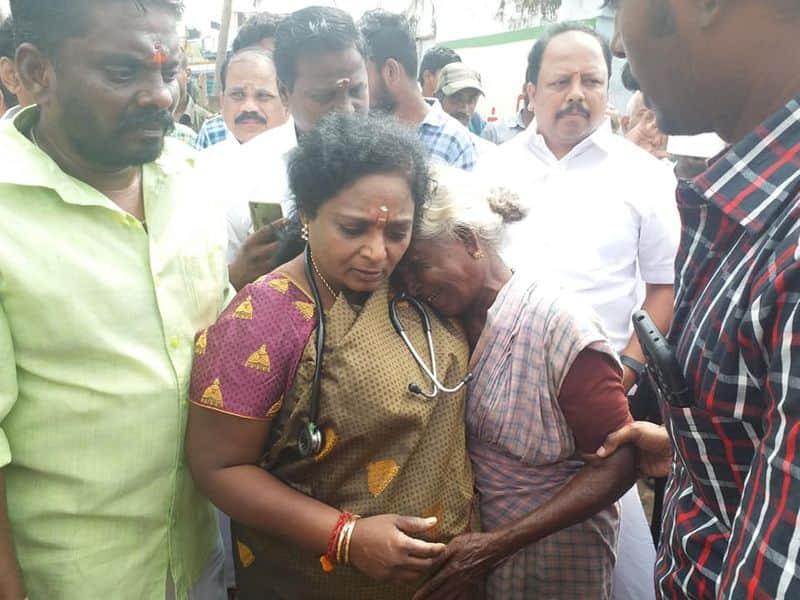 Fighjt with tamilisai and Pon radhakrishnan War at Tamilnadu BJP Office