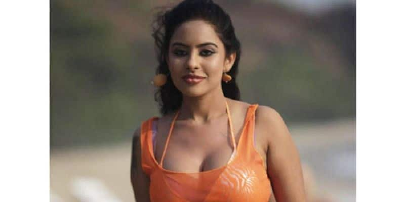 srireddy  is a record-breaking test ... No chance for any actress ..!