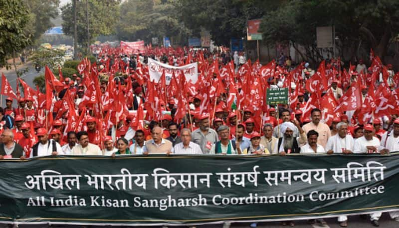 thousands of farmers reach in delhi ramlila maidan