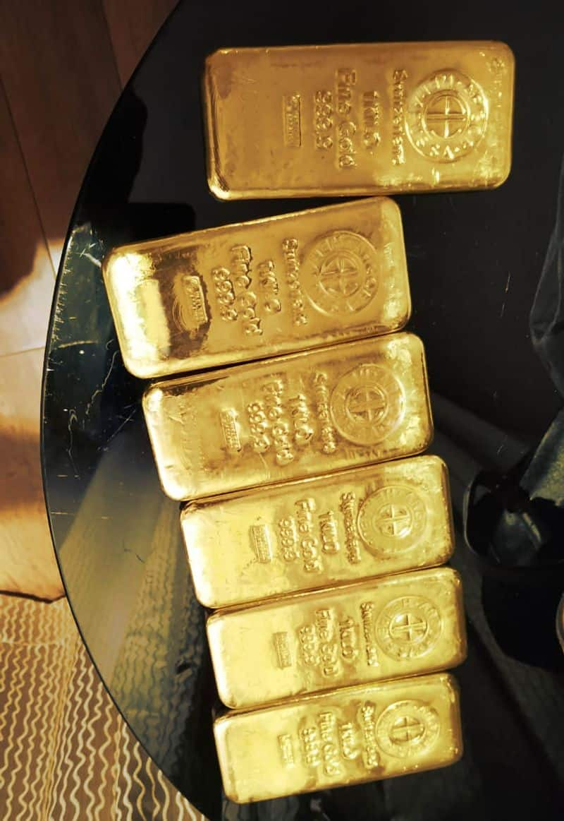 eleven crore and gold buiscts  in chennai