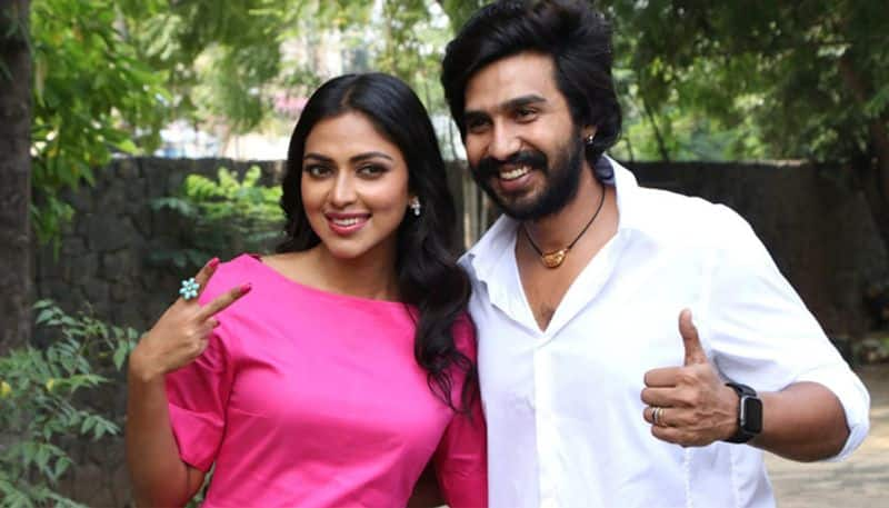 amalapaul clear the manager pradeep kumar controversy