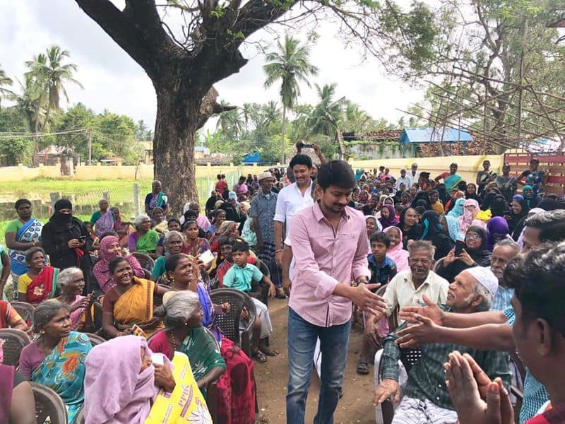 udayanidhi stalin and anbil magesh went together to meet gaja affected people