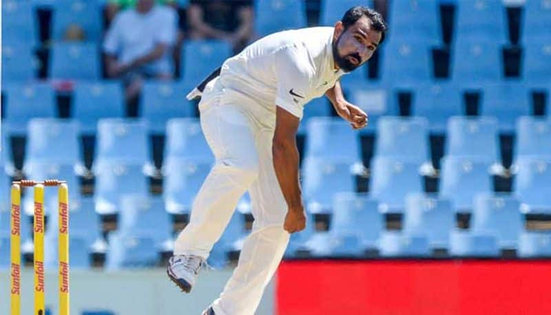 indian bowlers threatening aussie batsmen and australia all out for 243 in second innings
