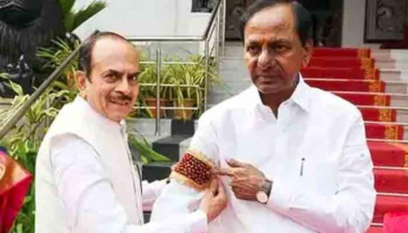 relation between kcr and mohmood ali