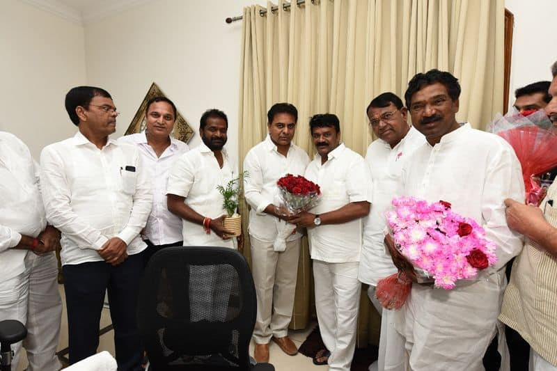 ktr reaches to trs office