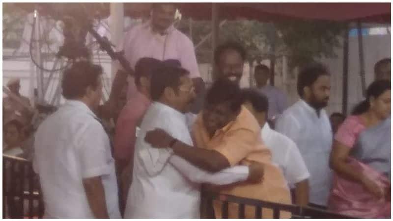 actor vadivelu at karunanidhi statue opening