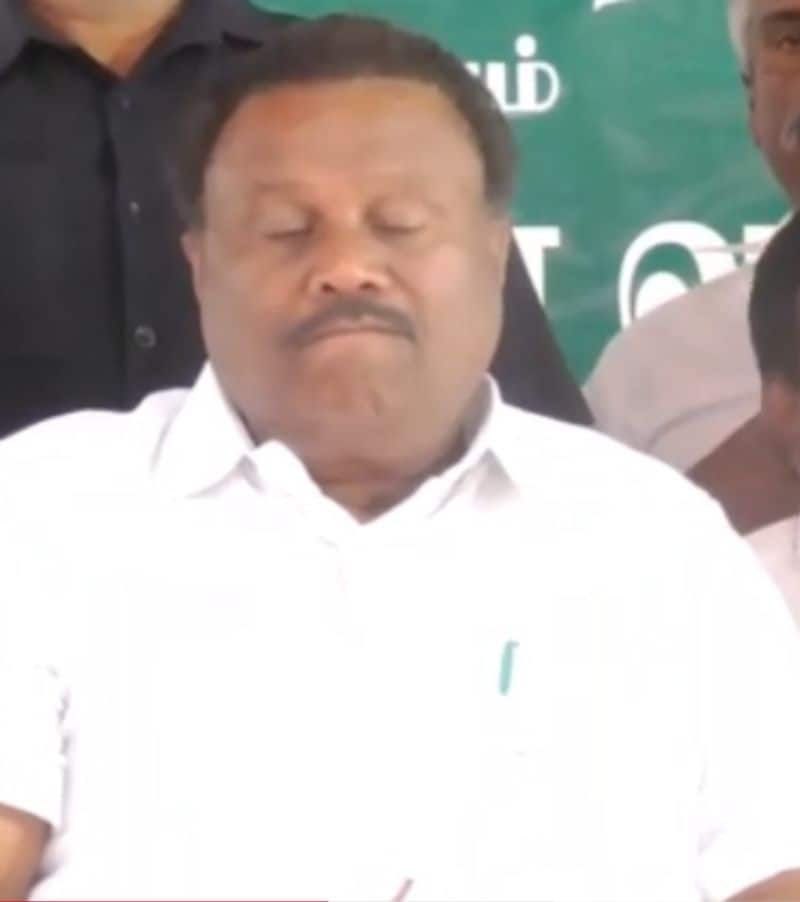 minister and collector slept off on the stage itself in a party meeting