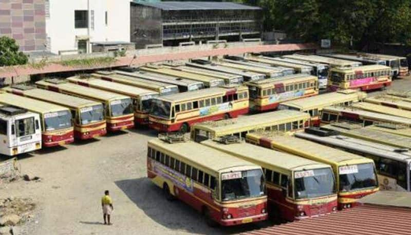 Sacked Kerala bus conductors hold shroud protest over mass termination employees