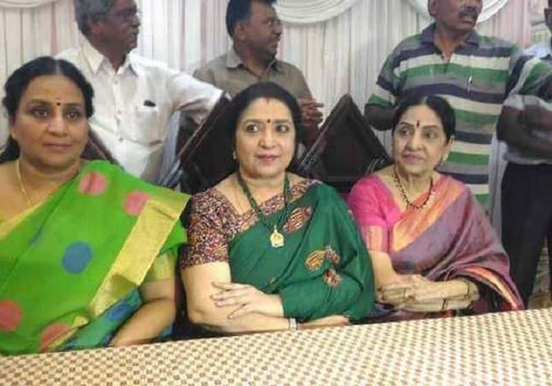 actress latha  in admk function