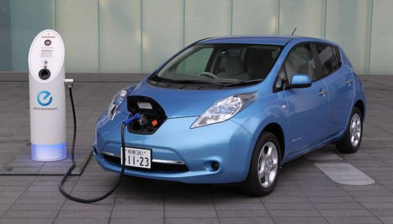 Heavy industries ministry has proposed customs duty cut on electric vehicles parts to finance ministry: Anant Geete
