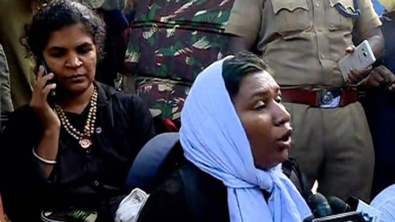 Sabarimala Police send back two women due to security concerns