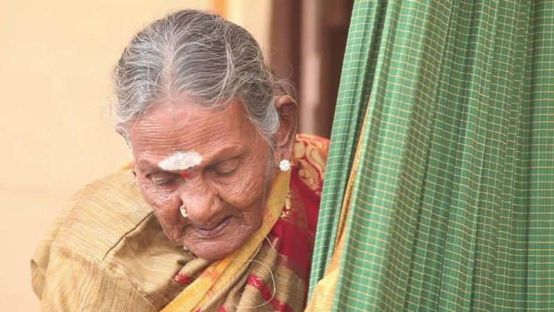 Sulagitti Narasamma passes away