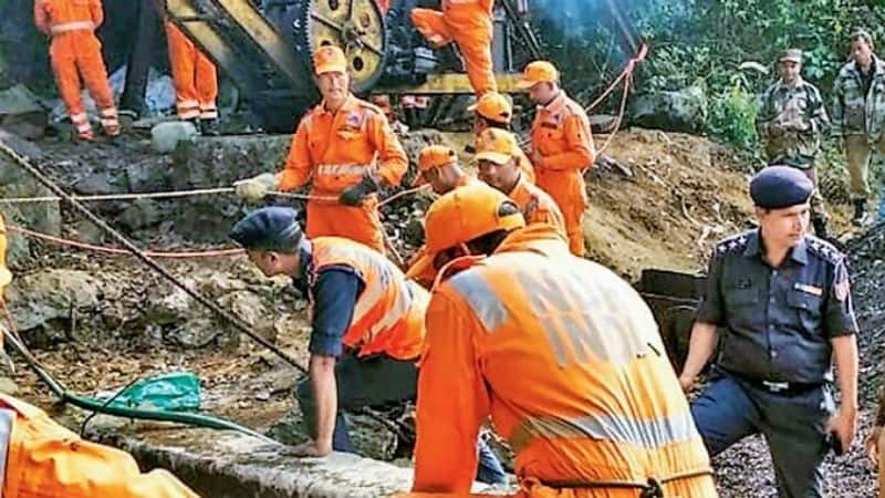 Meghalaya miners' rescue: Nation prays for safe return of all trapped after divers fail to reach pit on 17th day