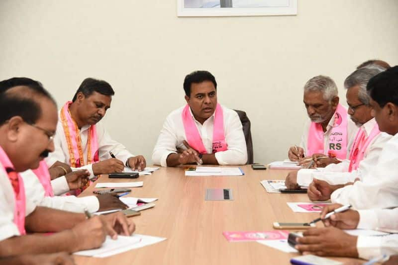 ktr planning to solve clashes between vivek and eshwar