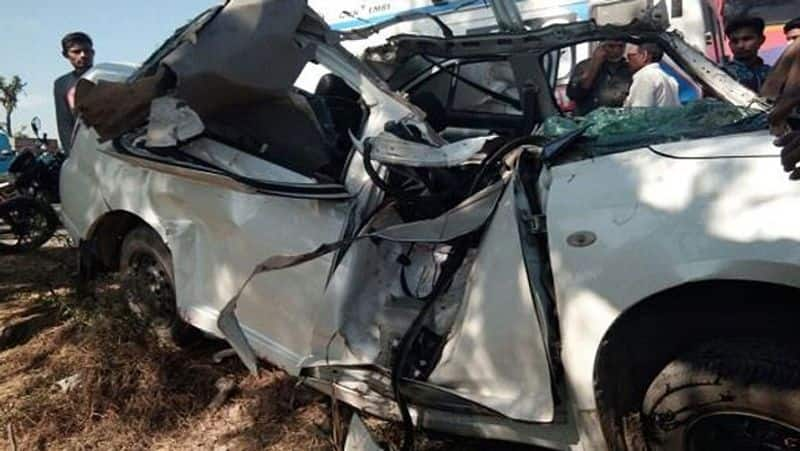 10 persons killed in road accident