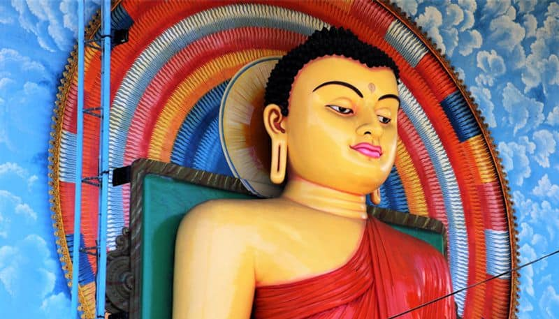 What is the relation between bhudda and poornima