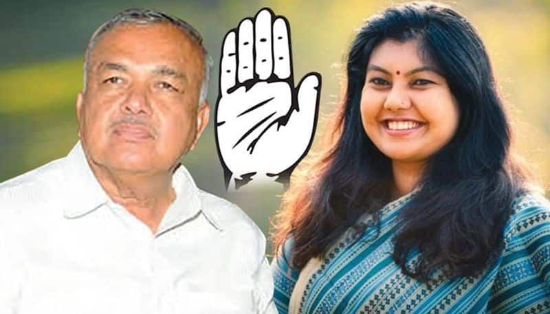 Karnataka Congress dissidence:Party pacifies former minister  AICC post  daughter