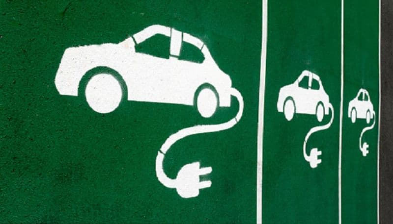 India seeks China's help to expand e-vehicles market, achieve full electric mobility by 2030
