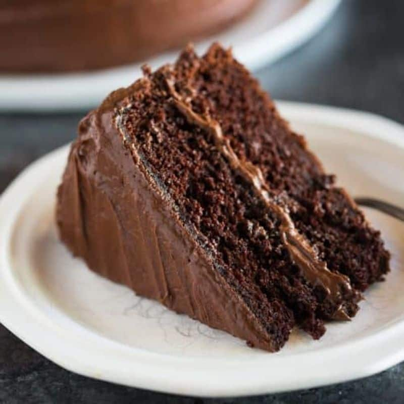 In lock down make Easy Recipe of Egg less Chocolate Cake without oven